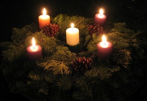 advent-wreath-fully-lit
